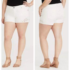 EUC Torrid White Denim Embroidered Frayed Shorts